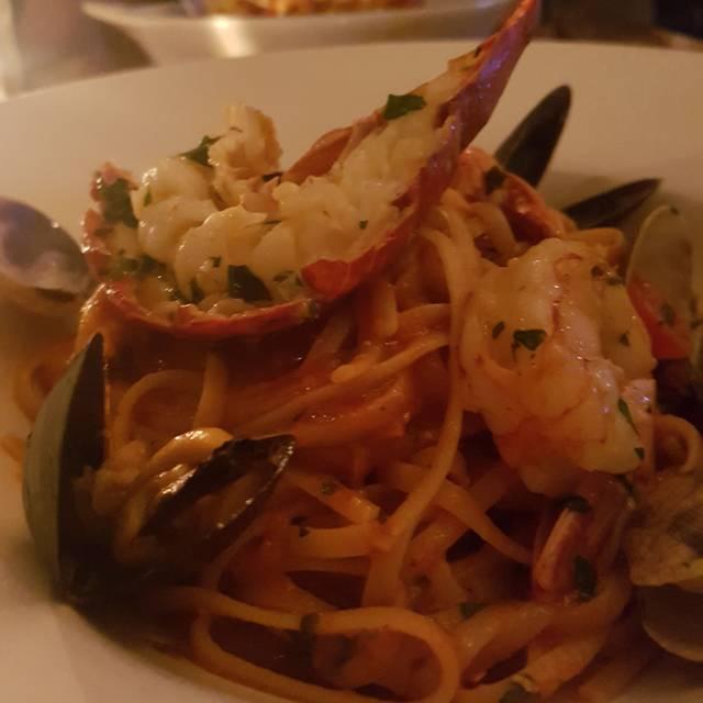 Frankie's Italian Kitchen & Bar, Vancouver, BC