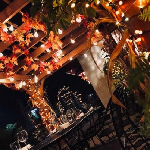 Holiday Bar - Frankie's Ristorante, Tinley Park, IL