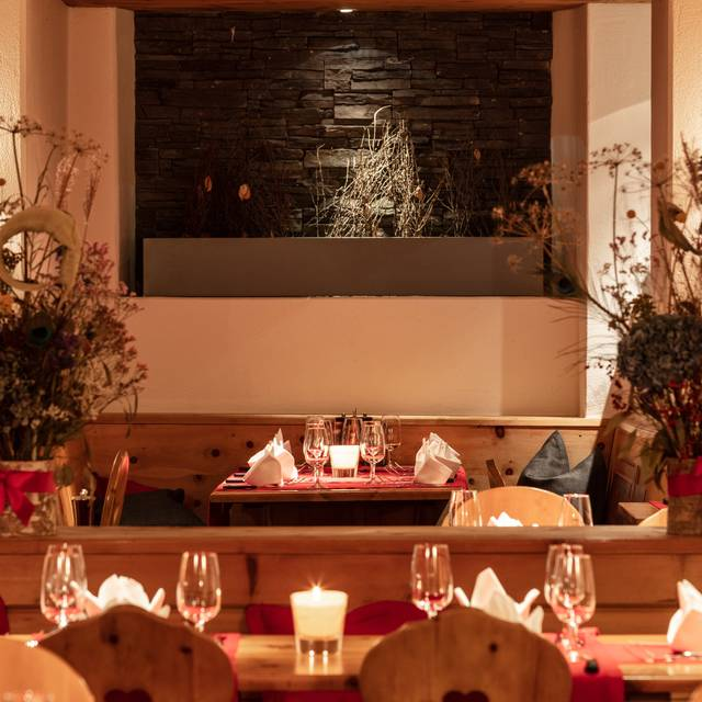 Pizzeria Caruso - Hotel Laudinella Restaurant - St. Moritz ...