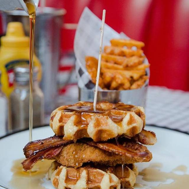 Ed's Diner - Victoria Place, London, London
