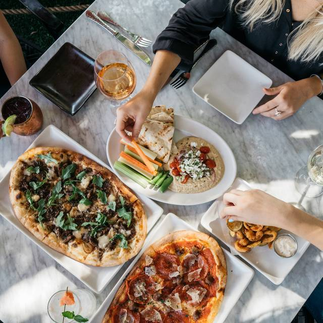 29 Restaurants Near Scottsdale Fashion Square Ping Center Opentable