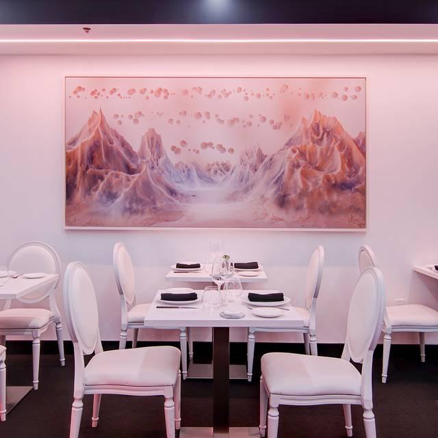 Restaurant Le XVI XVI, Montréal, QC