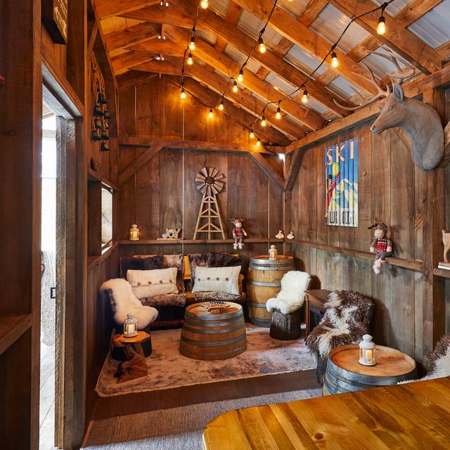 The Cabin at Upstairs at the Gwen, Chicago, IL