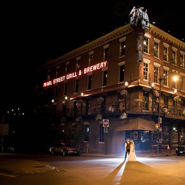 Wedding Gowns Buffalo Ny: Pearl Street Grill & Brewery Restaurant