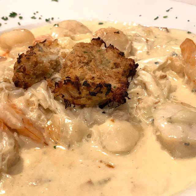 Restaurants Italian Near Me: Vivo Italian Kitchen Restaurant - Allentown, PA
