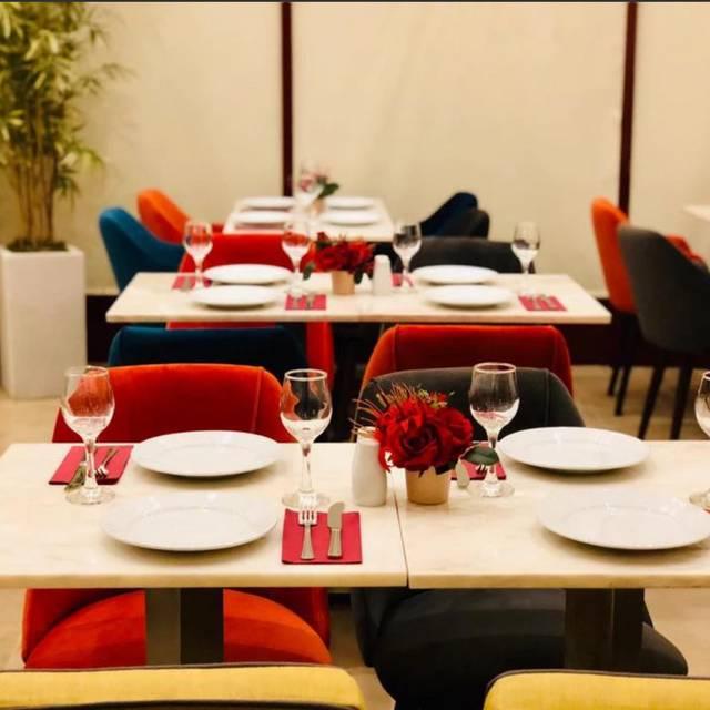 Orchestra Lebanese Cuisine, London