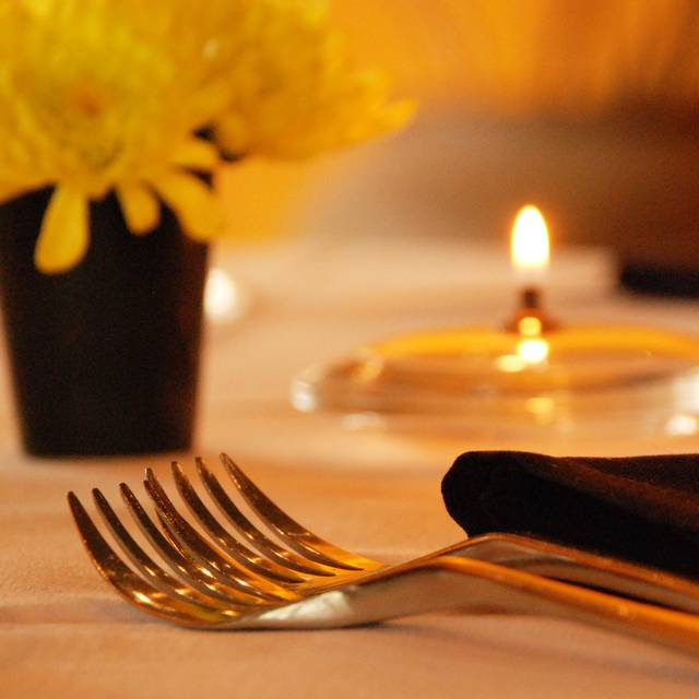 Table Setting - Gorji Restaurant, Dallas, TX