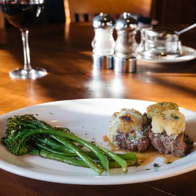 Johnny's Italian Steakhouse - Omaha, Omaha, NE