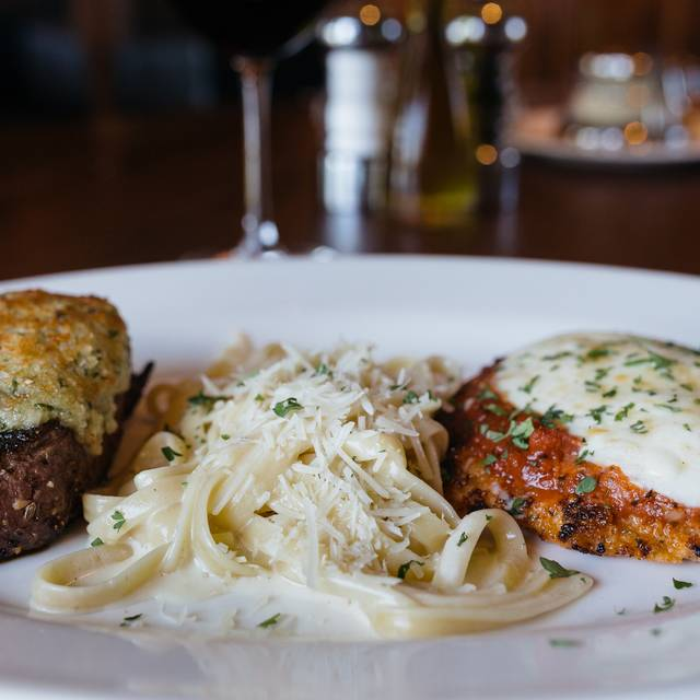 Johnny's Italian Steakhouse - Peoria, East Peoria, IL