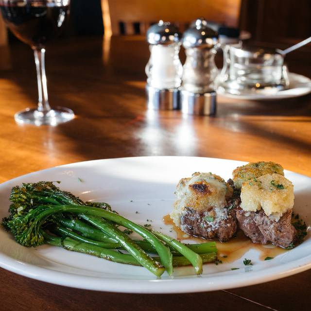 Johnny's Italian Steakhouse - The Woodlands, Shenandoah, TX