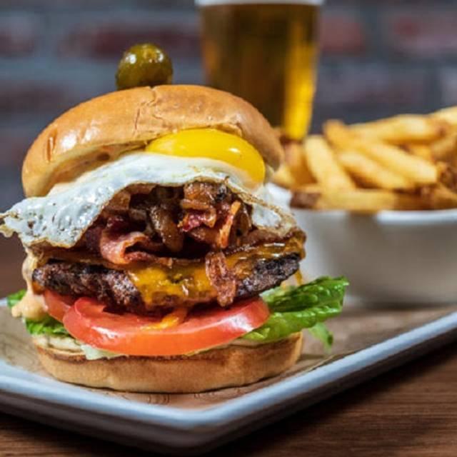 Pub Burger - The Swimming Pig, Bahamas, Bahamas