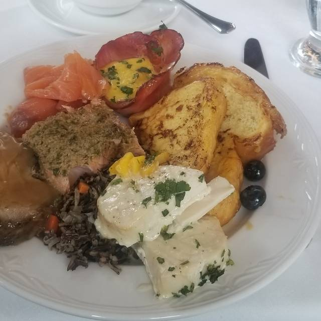 Breakwater Restaurant  - Waterside Inn, Mississauga, ON