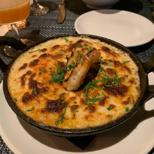 Akrotiri Seafood Taverna, Astoria, NY