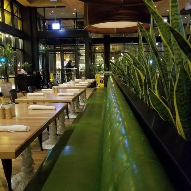 True Food Kitchen - Chicago Restaurant