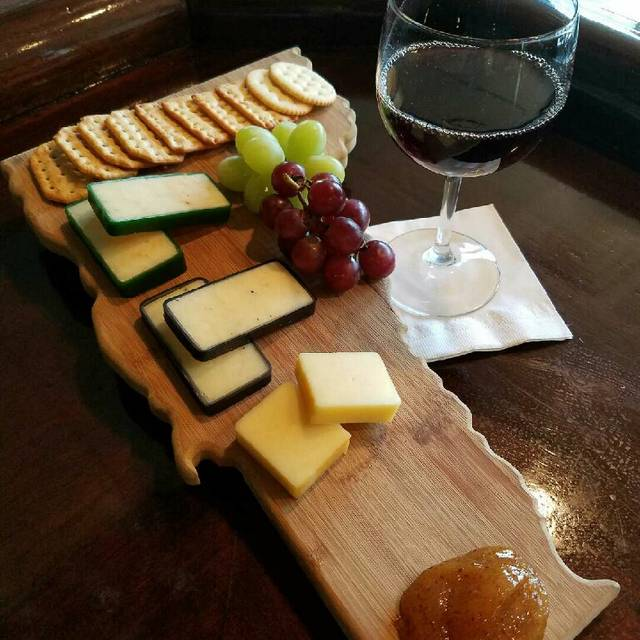 Cheese+board - The Maple Kitchen, Brownsville, VT
