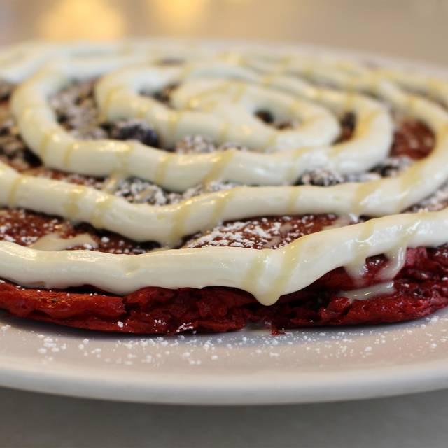 Red Velvet Pancakes - M.A.C. 24/7, Honolulu, HI