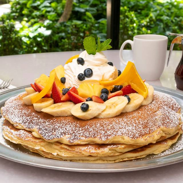 M A C  Daddy Pancakes - Fresh Picked Topping - M.A.C. 24/7, Honolulu, HI