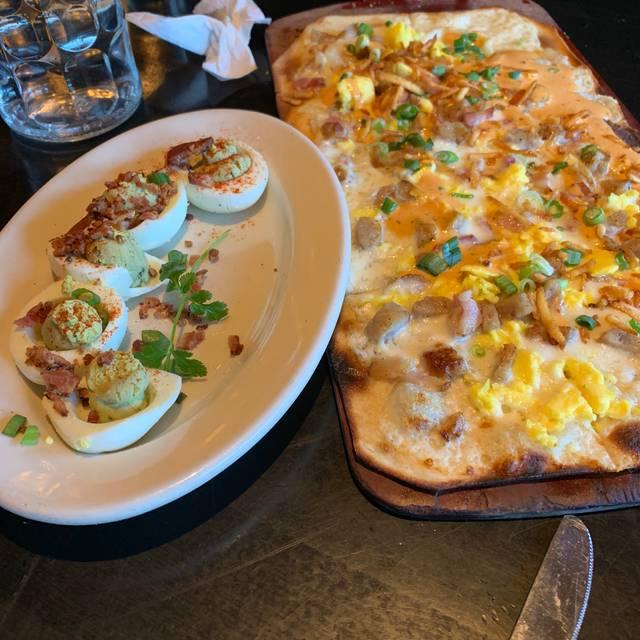 Ike's Food & Cocktails - Minnetonka, Minnetonka, MN