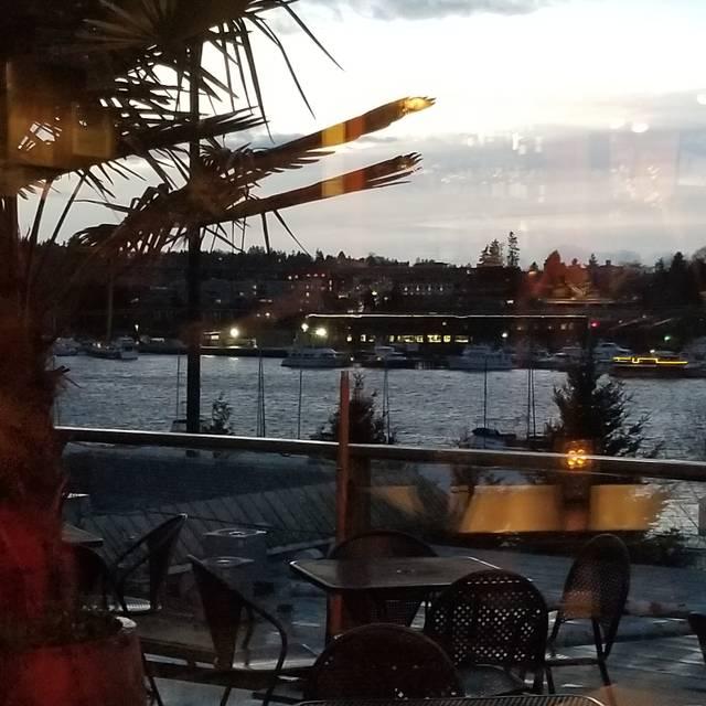 Eastlake Bar & Grill, Seattle, WA
