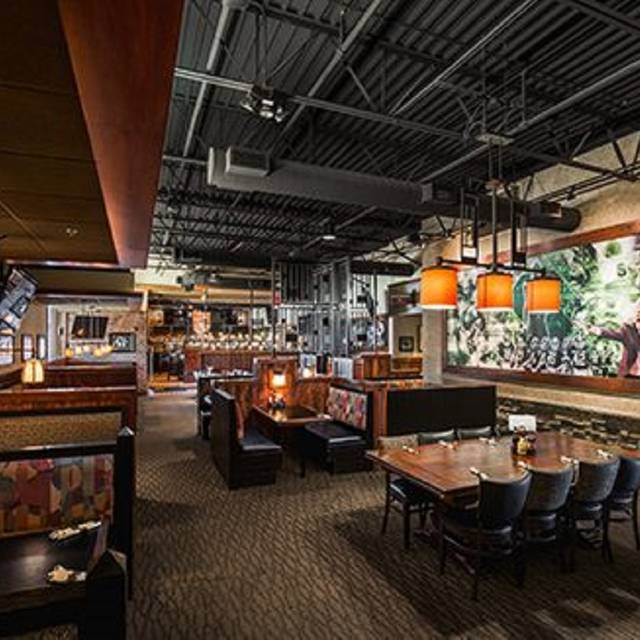 east lansing date restaurants