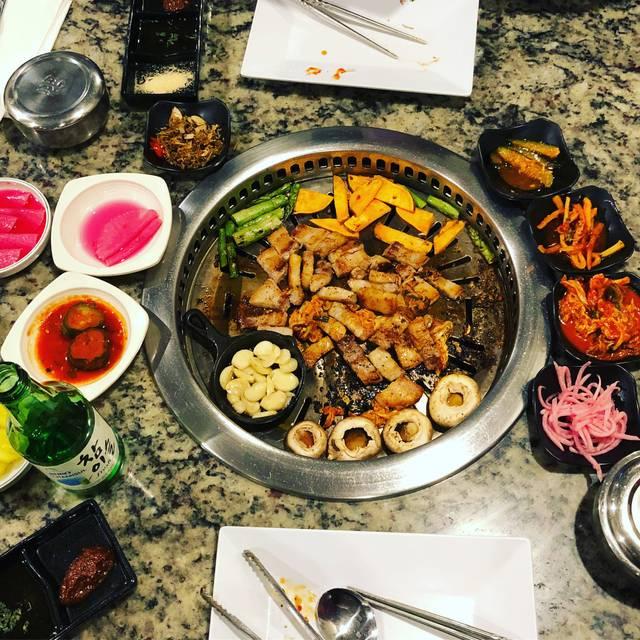 843 KOREAN BBQ & SUSHI HOUSE, North Charleston, SC