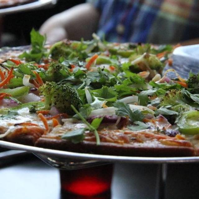 Zeeks Pizza - Tacoma, Tacoma, WA