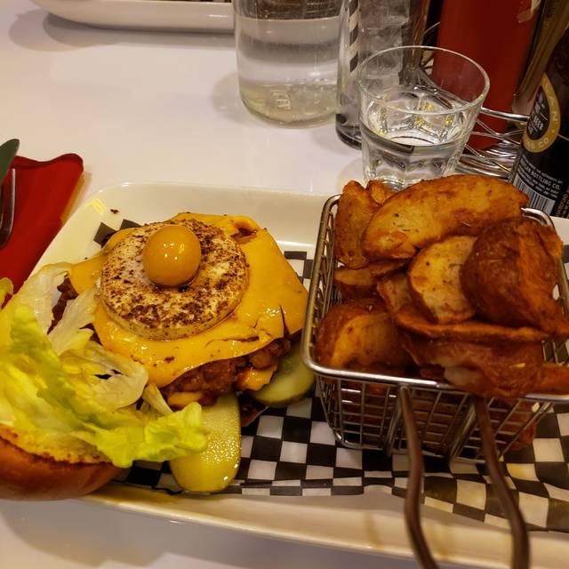 Mythology Diner, Toronto, ON