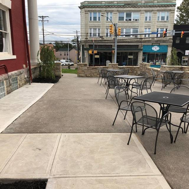 Patio - Revival on Lincoln, Bellevue, PA