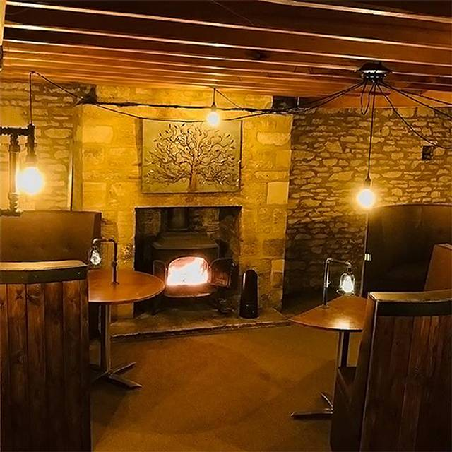 The Windmill Bar & Restaurant, Burford, Oxfordshire