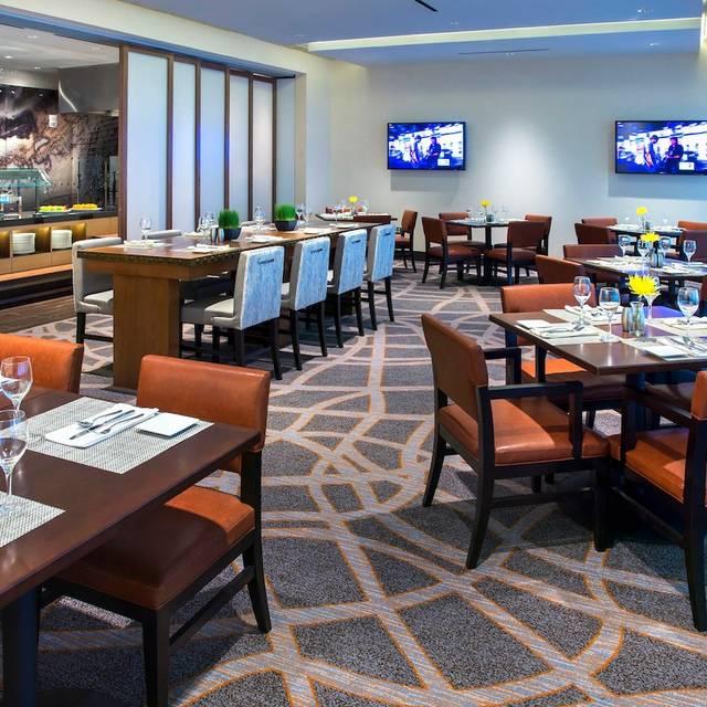 3e16283705b 25 Restaurants Near Jersey Gardens