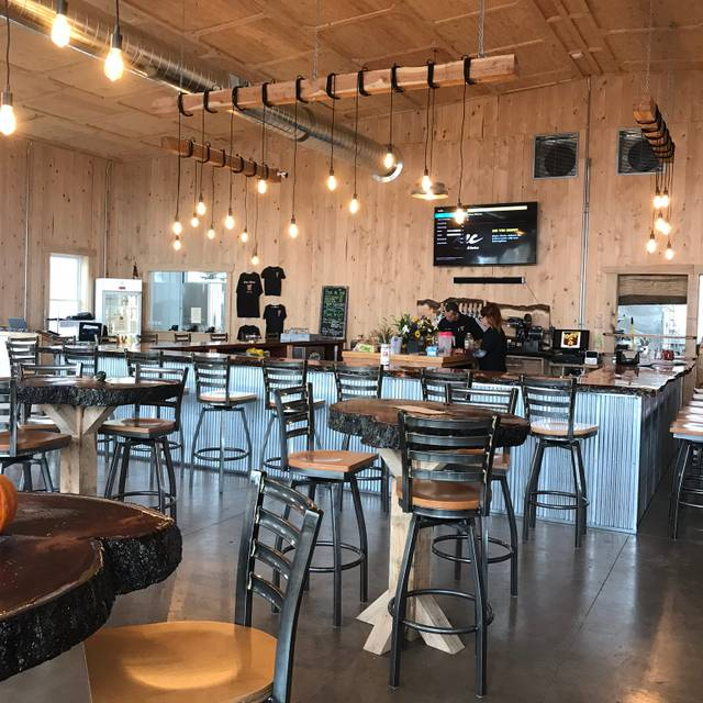Social Kitchen And Brewery: Heritage Hill Brewhouse & Kitchen Restaurant