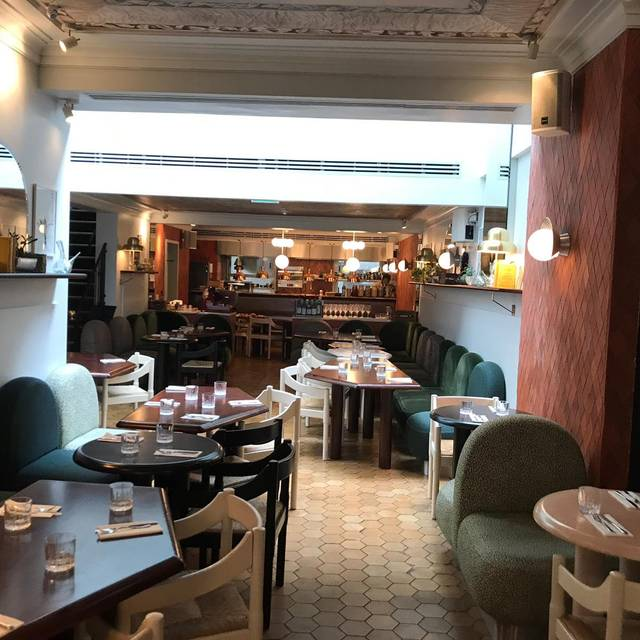 Ground Floor - Henrietta Bistro, London