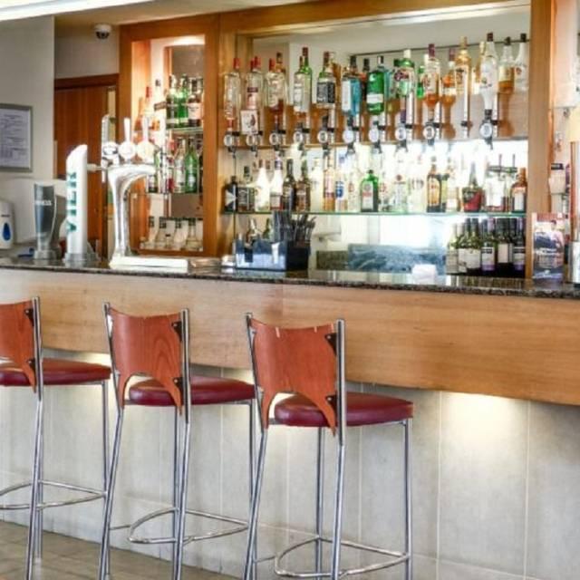 The Spot Kitchen & Bar, Bristol Airport, Bristol, Avon
