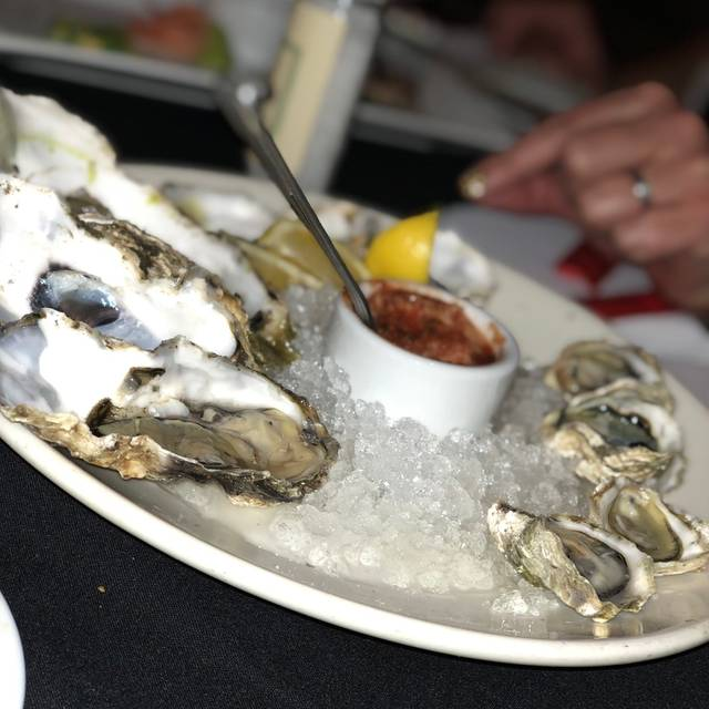 Flaherty's Seafood Grill & Oyster Bar, Carmel, CA