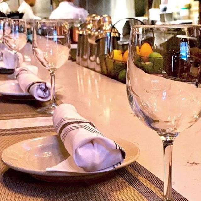 Bar Dining - Mable's Table, Chicago, IL