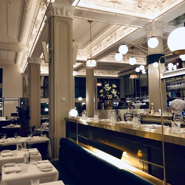 Henri Brasserie Française, montreal, QC