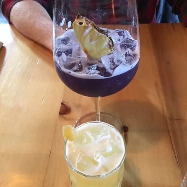 Bruce Wine Bar, Thornbury, ON