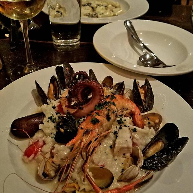 Sofi Restaurant, Chicago, IL