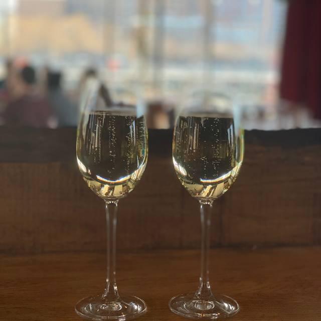 City Vineyard & Wine Garden at Pier 26, New York, NY
