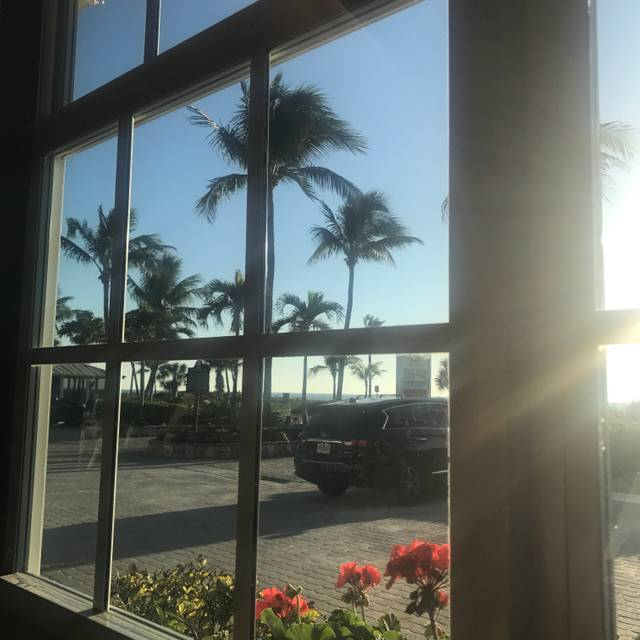 Crow's Nest Beach Bar & Grille, Sanibel, FL