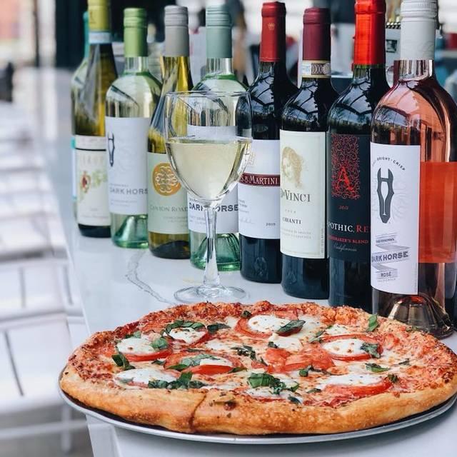 Detroit District - Mike's Pizza Bar, Detroit, MI