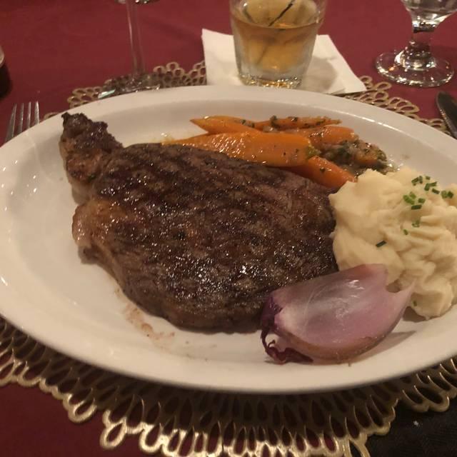 Crossroads Saloon & Steakhouse, Fredericksburg, TX