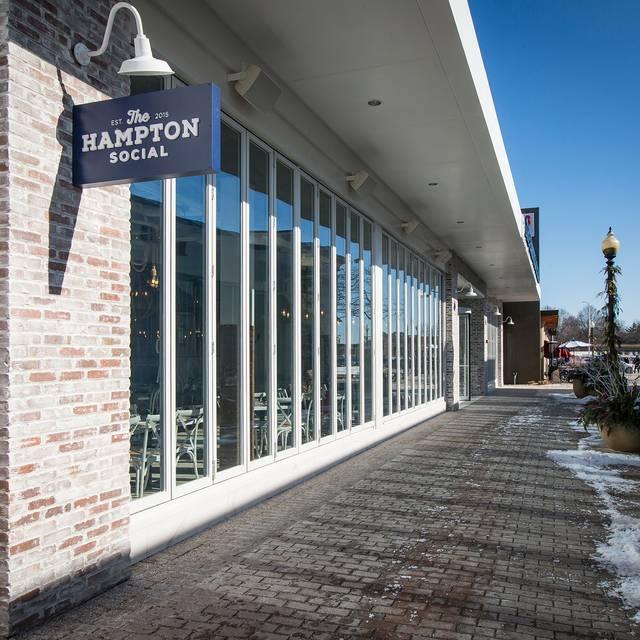 The Hampton Social - Skokie, Skokie, IL