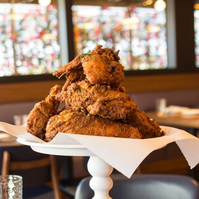 Shaq's Famous Fried Chicken - Shaquille's, Los Angeles, CA
