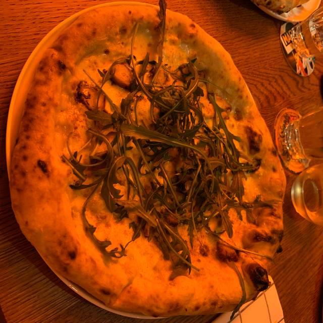 Gina´s Pizza Bar, Karlsruhe, BW