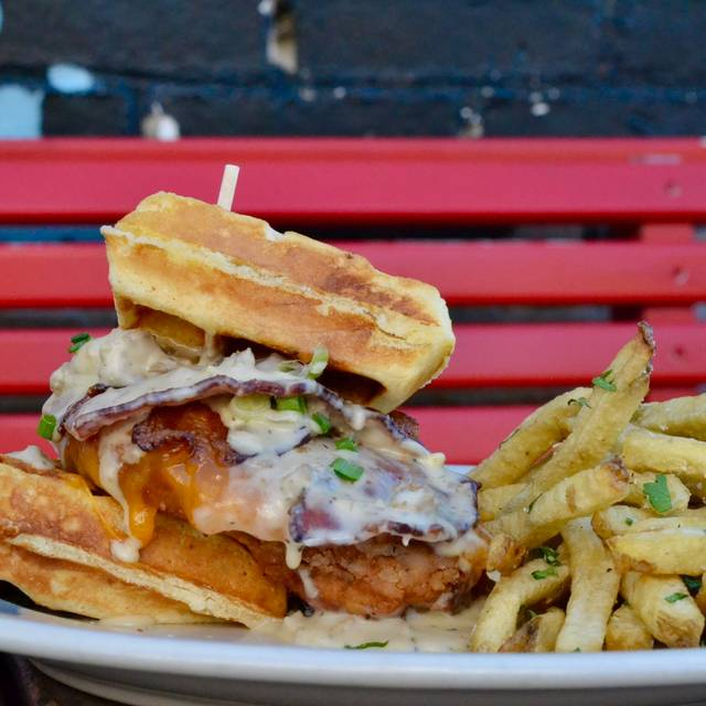 TAG / Burger and Bar at Madison Street