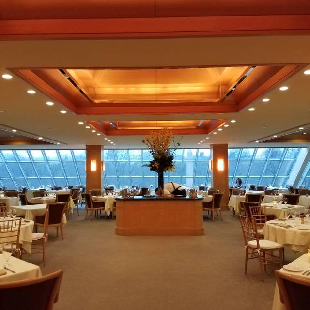 The Dining Room At The Metropolitan Museum Of Art Restaurant New York Ny Opentable