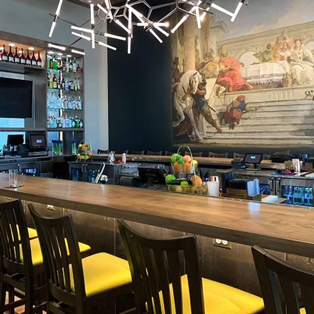 Full-Service Bar - Aldo's Ristorante Italiano, San Antonio, TX