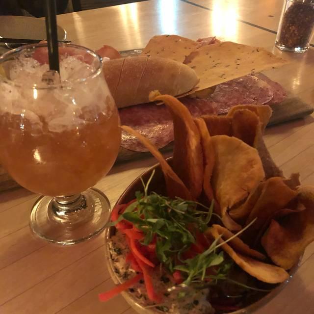 Seaplane Kitchen + Bar, Kenmore, WA