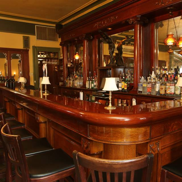 Bar Corner - Merion Inn, Cape May, NJ